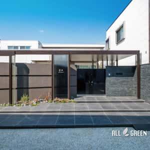 DSCF0066a-300x300 天然石とクラッシュガラスと屋根付きゲートで魅せる清須市のハイクローズ新築外構