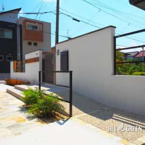 ichinomiyashi_t_03194_2-300x300 天然石の乱形石張りが印象的なスロープ付き愛知県一宮市の新築外構デザイン