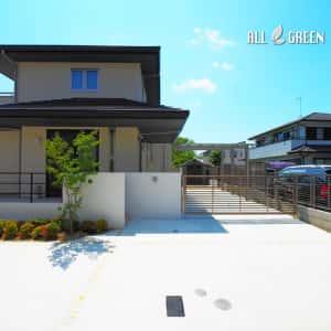ichinomiyashi_t_03194_3-300x300 天然石の乱形石張りが印象的なスロープ付き愛知県一宮市の新築外構デザイン