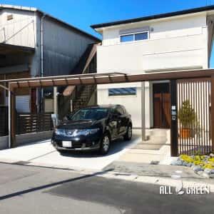 inazawashi_s_03390_2-300x300 三協アルミのスカイリード、木調フレームと縦格子でデザインされたスタイリッシュな稲沢市の新築外構ファサード