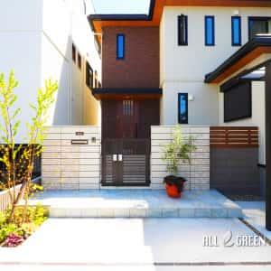 kiyosushi_a_02762_1-300x300 敷地を上手く活用した2台用カーポートのある清須市の新築外構