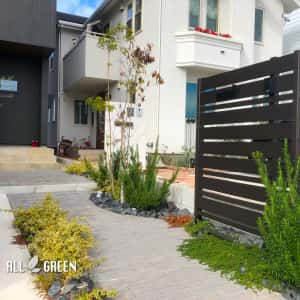 kiyosushi_n_03040_2-300x300 重厚な建物に見合う立派な外構