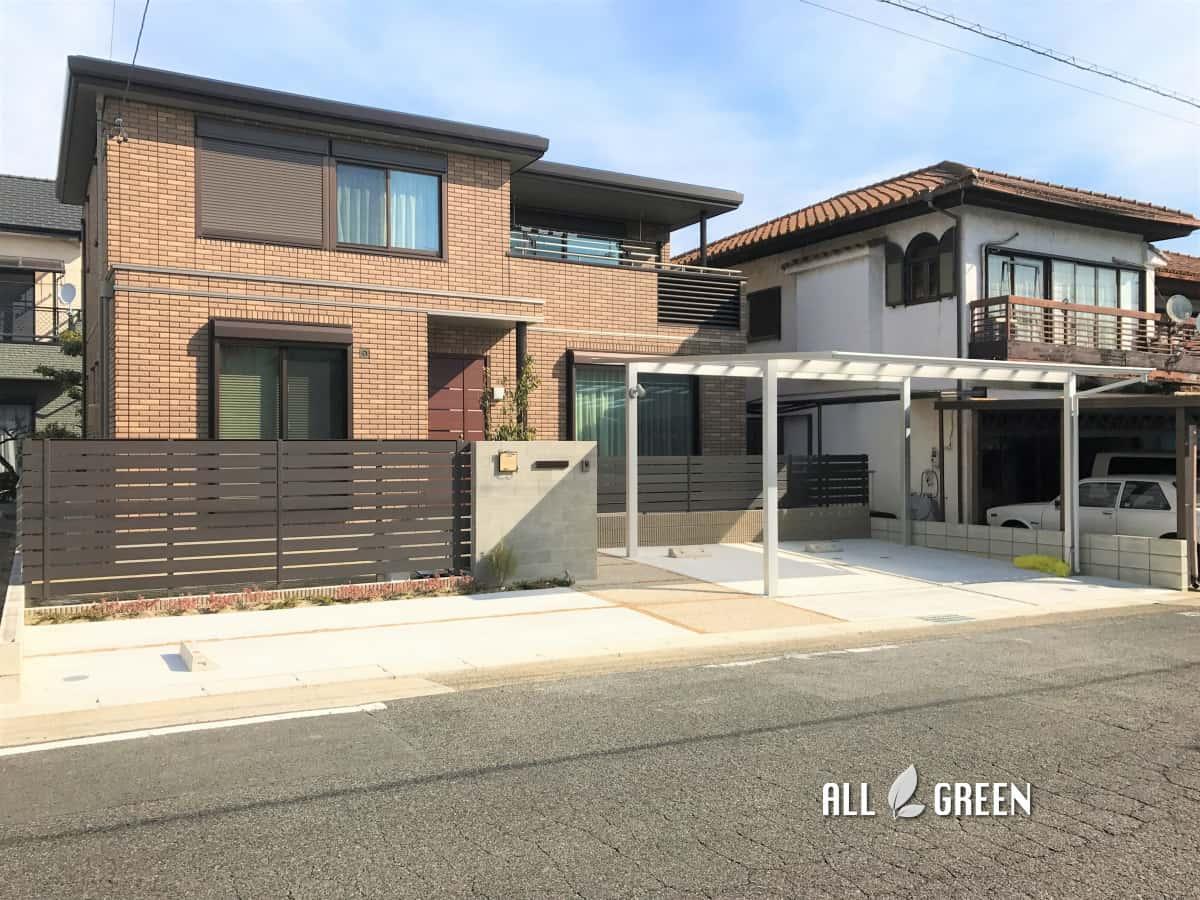 tenpakuku_k_02446_4 名古屋市天白区の優しい質感のタイルとウッド調フェンスによる温かみある門構え