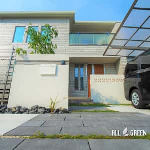 yokkaichi_h_02793_2-300x300 四日市市の新築外構_幅の違う板を用いた木調フェンス