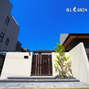 higashiku_m_03066_2-300x300 名古屋市東区に佇む木調アルミフェンスと植栽でまとめた新築外構