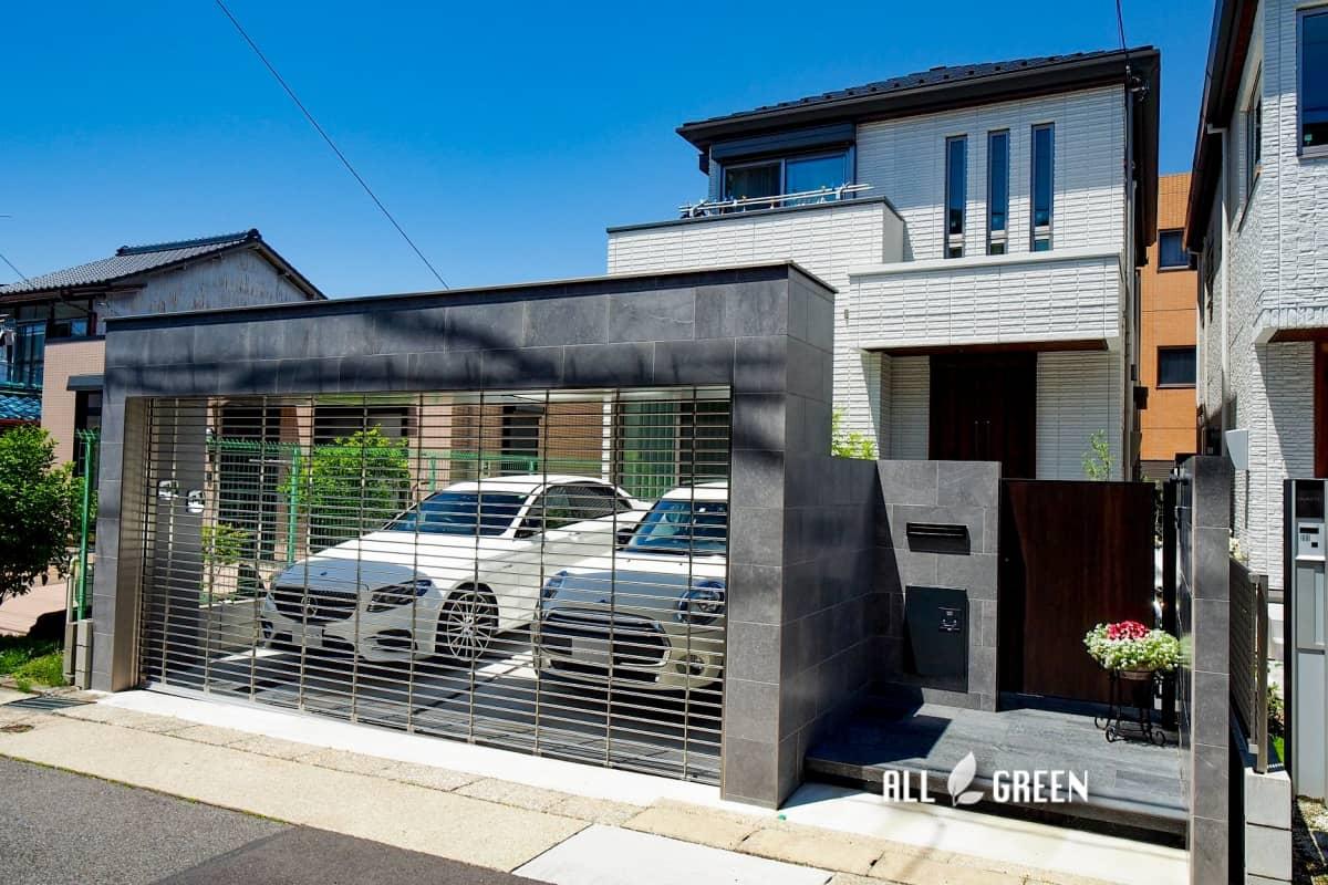 chikusa_o_03613_5 艶のあるタイルとシャッターゲートが特徴の名古屋市千種区にあるクローズ外構