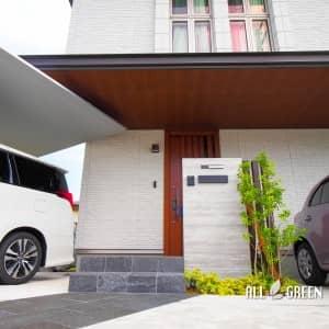 oobu_k_03715_4-300x300 邸宅の立派な屋根とSCのバランスが美しい大府市にあるナチュラルかつモダンな外構