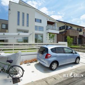 kariya_n_03529_2-300x300 門塀のガラスと基調としている白色で造り出す刈谷市にある爽やかな新築外構