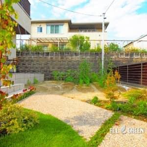 midoriku_i_03302_4-300x300 趣味の家庭菜園のスペースを敷地内にいれた名古屋市緑区の新築外構
