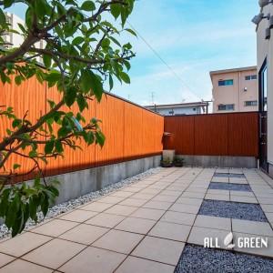 mizuho_t_03871_6-300x300 目隠しフェンスからしっかり視線を遮る目隠しの壁へ、瑞穂区にある美容室のリフォーム外構