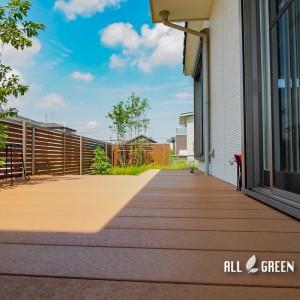 tokai_s_04177_1-300x300 木調で揃えたウッドデッキとフェンス、東海市にあるお庭は木漏れ日溢れる優しい外構へとリフォーム。
